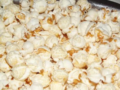 Alternative zu Chips und Salzstangen – abends einfach mal selbst gemachtes Popcorn knabbern